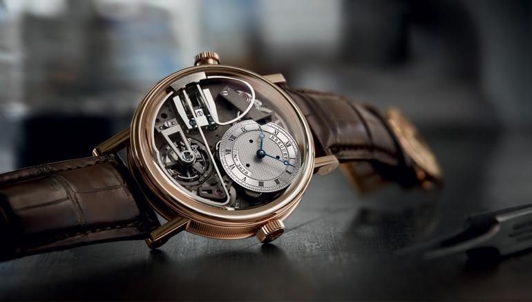 Đồng hồ cơ là gì? Kiến thức cơ bản về đồng hồ máy cơ là gì?