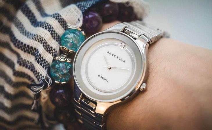 Đồng hồ Anne Klein của nước nào, ưu điểm và dòng sản phẩm nổi bật