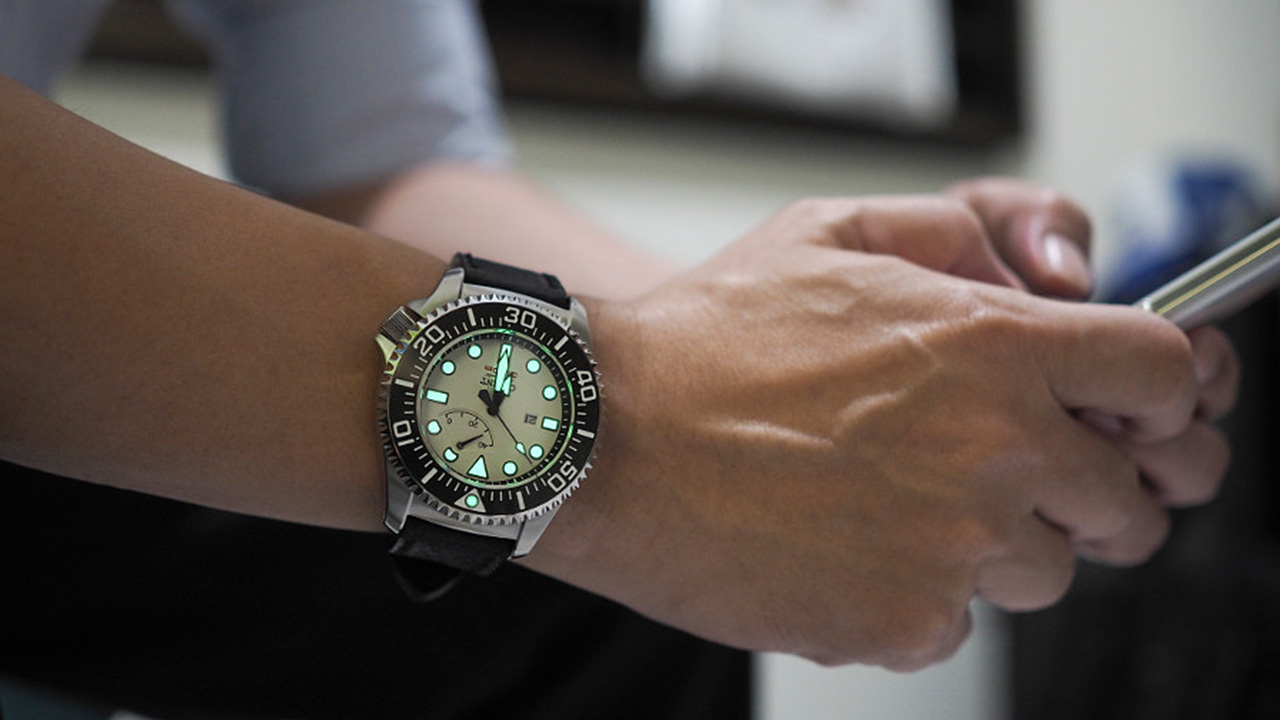 Mua đồng hồ cần chú ý gì ? Những kiến thức cơ bản
