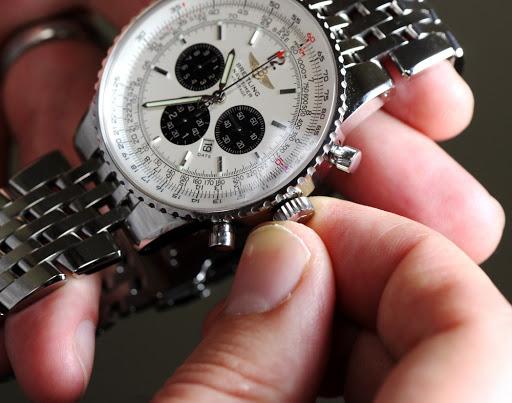 Cách bảo quản đồng hồ pin hiệu quả và lâu dài