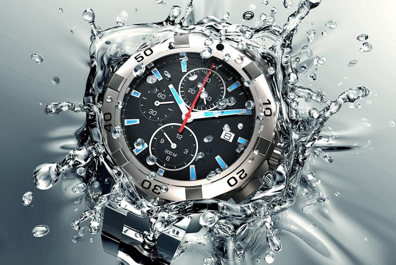 Khả năng chịu nước của đồng hồ là yếu tố quan trọng quyết định độ bền