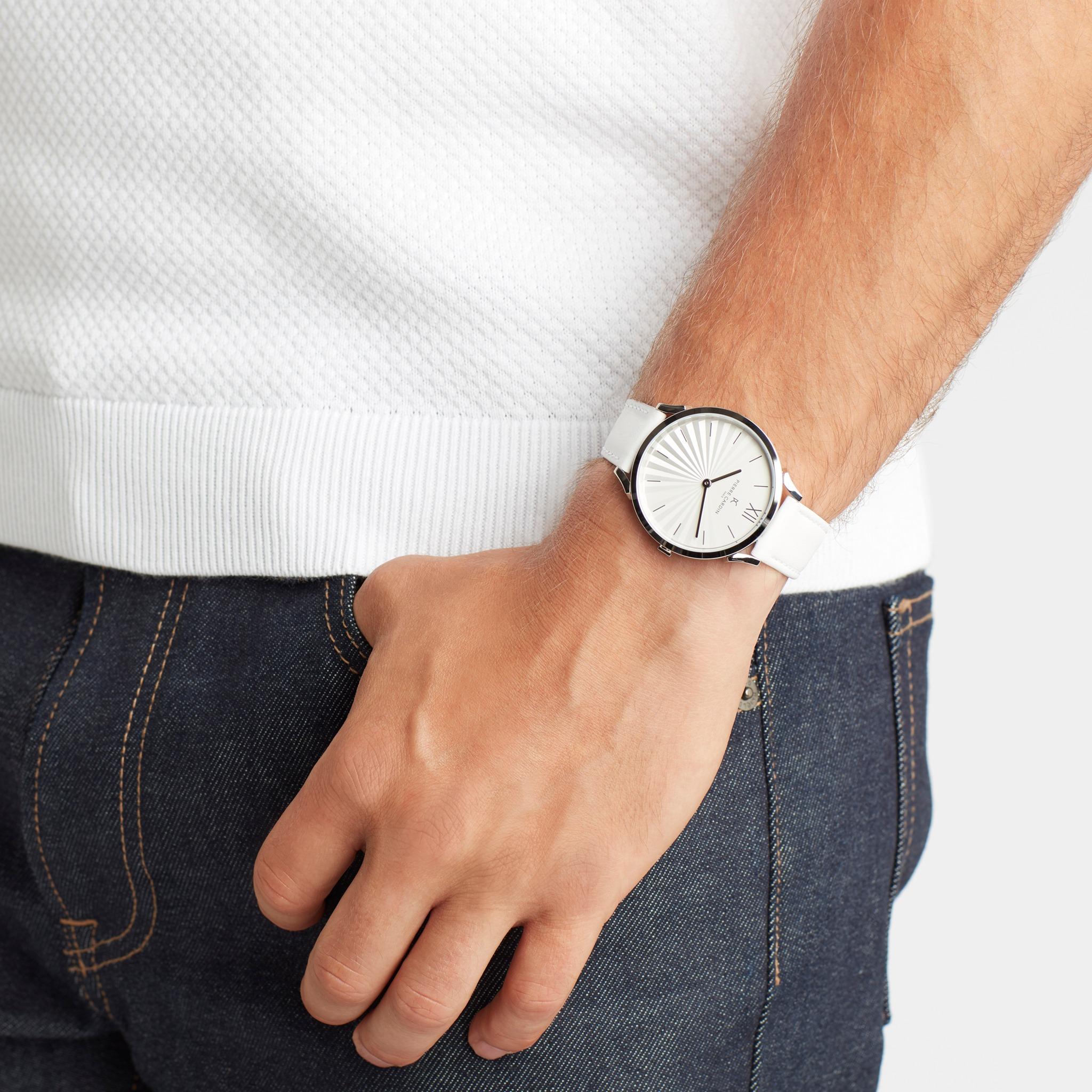 Người mệnh mộc có nên đeo đồng hồ? Những điều bạn cần nên biết