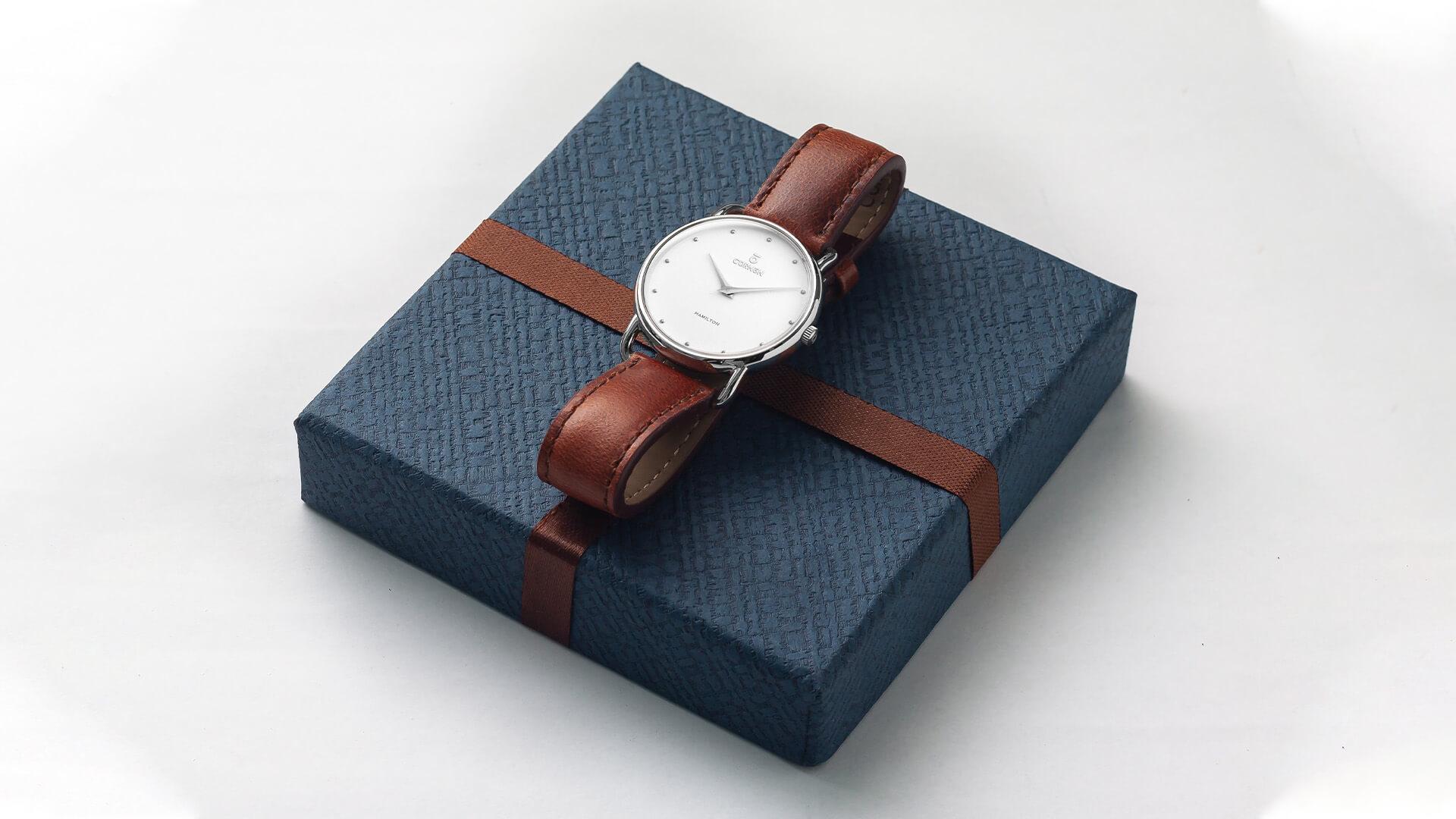 Các loại đồng hồ quartz nữ dây da chính hãng giá rẻ | Curnon Watch