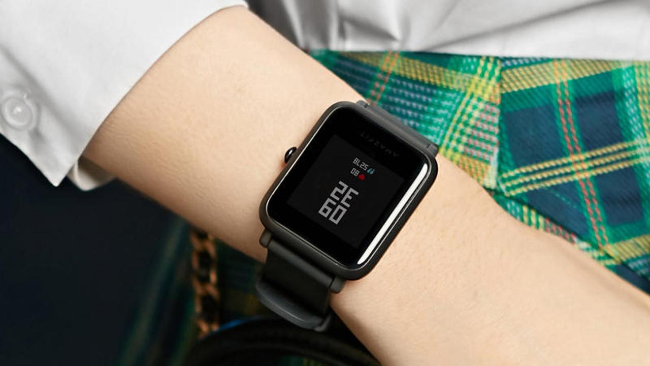 Top 7 đồng hồ thông minh giá rẻ đáng mua nhất - NHANHMUA.COM