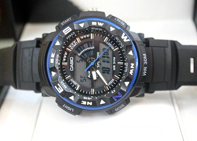Những mẫu đồng hồ nam kiểu dáng thể thao sẻ bán chạy trong 2016