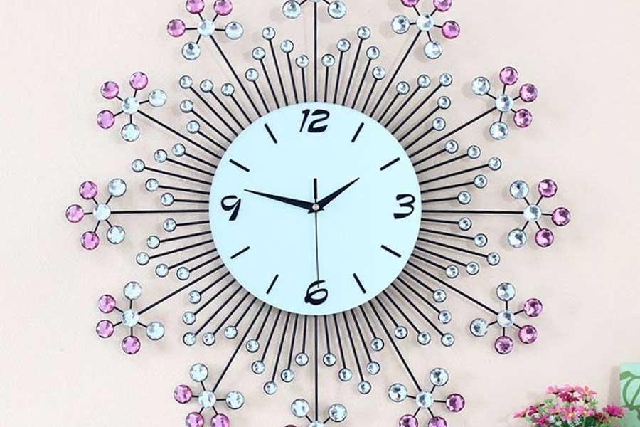 Chọn mẫu tranh đồng hồ treo tường đẹp làm quà tặng ý nghĩa